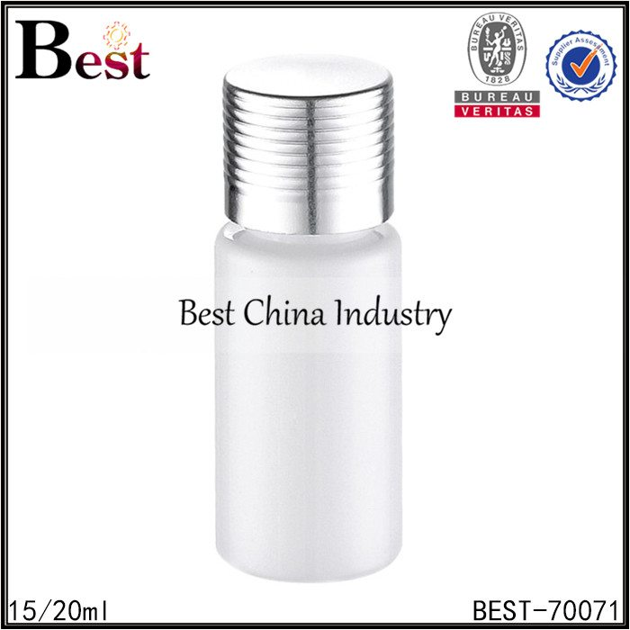 white plastic bottle with silver screw cap 15/20ml